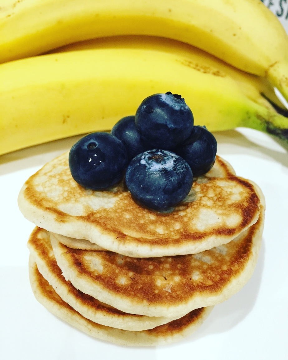 ANOTHER DAY,ANOTHER MEAL…COCONUT AND BANNAN (SUGAR FREE)PANCAKES