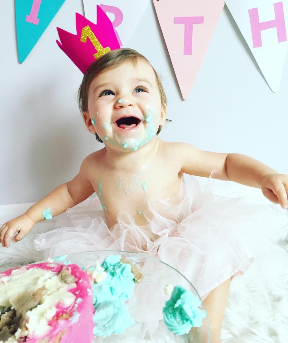 SMASH THE CAKE BABY!!!